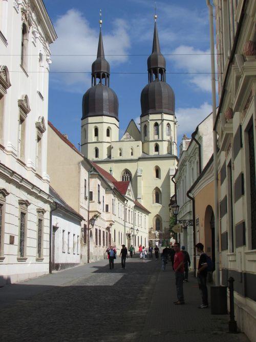 trnava,centras,slovakija,miestas,centras,miesto centras,Senamiestis,gatvė,bokštai,paminklai,istorinis,turistai