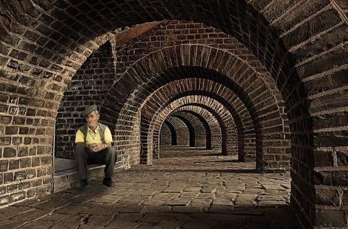 tunelis,vyras,senas,mįslingas,asmuo,vienas,Patinas,šešėlis,vienas