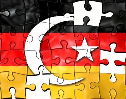 Turkija,vėliavos,užsieniečiai,Vokietija,įtraukti,įtraukimas,imigrantai,vėliava,bendruomenė,pusmėnulis,integracija,šviesa,migrantai,migracija,galvosūkis,mokykla,pjautuvas,žvaigždė,komanda,įrankis,kartu,sujungti