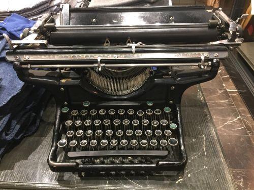 typo,rašomąja mašinėle,tipografija