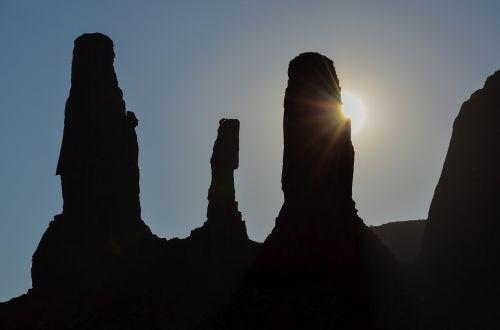 usa,amerikietis,pietvakarius,Laukiniai vakarai,kraštovaizdis,paminklo slėnis,Utah,colorado plato,Navajo,Navajo tauta,stalo kalnas,platus,dykuma,smėlis,lankytinos vietos,akmeniniai bokštai,usa vakarai,uolos,indėnai,panorama,trys seserys
