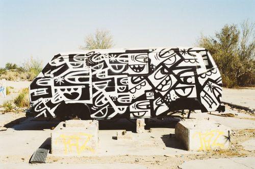 van,dažų darbas,grafiti
