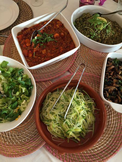 Veganas,motina,salotos