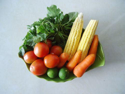 daržovės,natūralus maistas,Sveikas maistas,šviežios daržovės,vaisiai ir daržovės