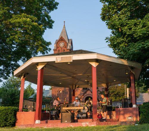 Vermont,st albans,pavėsinė,grupė,žmonės,asmuo,pramogos,kaimas,architektūra,mažas miestelis,sodas,lauke,kaimas,vaizdingas,kelionė,kaimas,gamta