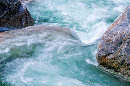 Verzasca, Vanduo Ir Akmuo, Šveicarija