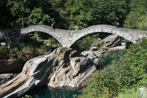 Valle Verzasca, Verzasca, Lavertezzo, Ticino, Šveicarija, Tiltas, Arka, Lankytinos Vietos, Turistų Atrakcijos, Žygiai, Nardymas