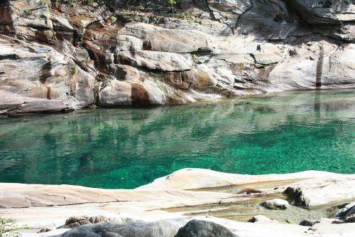 Verzasca, Upės Griovys, Vanduo, Upė, Lavertezzo, Ticino, Šveicarija, Nardymas