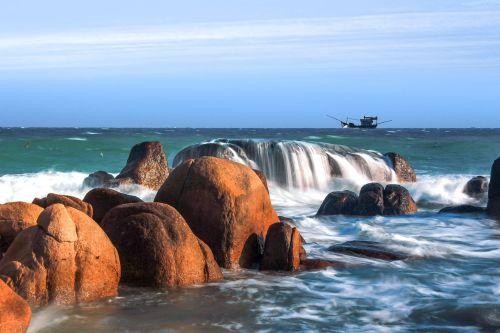 Vietnamas,jūra,papludimys,vanduo,vanduo kritimo,akmuo