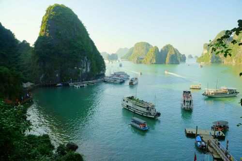 Vietnamas,Halongo įlanka,laivyba