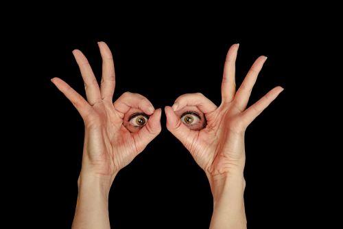 vaizdas,akys,žiūrėdamas,moteris,rėmas,ranka,pirštas,skyrius,perspektyva,studija,Iškirpti,suprasti,permatyti,atpažinti,išminties,mitkriegen,matyti,sąmoningumas,nepastebėti,aiškinti,pastebėti,intimated,aiškiai matyti,realizuoti,suvokti,užfiksuoti