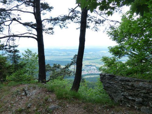 požiūris,tolimas vaizdas,avių kalnas,swabian alb,Zollernalb,albų karnizai,žygis,daugiau,alb hike,ekskursijos diena,Kelionės tikslas,swabian alb nordrand maršrutas,Balingen kalnai,balingen,aukšta uola