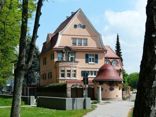 vila,dvaro rūmai,architektūra,pastatas,nuosavybė,gyvenamoji vieta,namai,oranžinė,svajonių namai,svajonių butas,svajonių vila,vila kunterbunt,kunterbunt,raudona