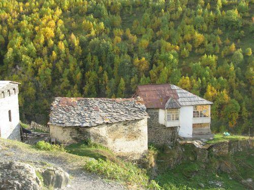 kaimas,kalnai,pavasaris,Gruzija,kotedžai,ruduo