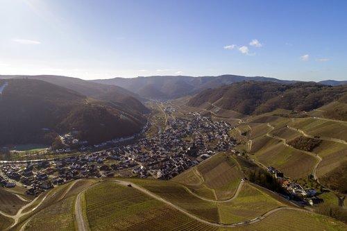 vynuogynas, Dernau, vyno, Ahr slėnis, Vokietija, raudonasis vynas pėsčiųjų takas, aukštumos, vynuogės auginamos, slėnis, kraštovaizdis, Peržiūrėti, Sachsen, kreivė, vieta