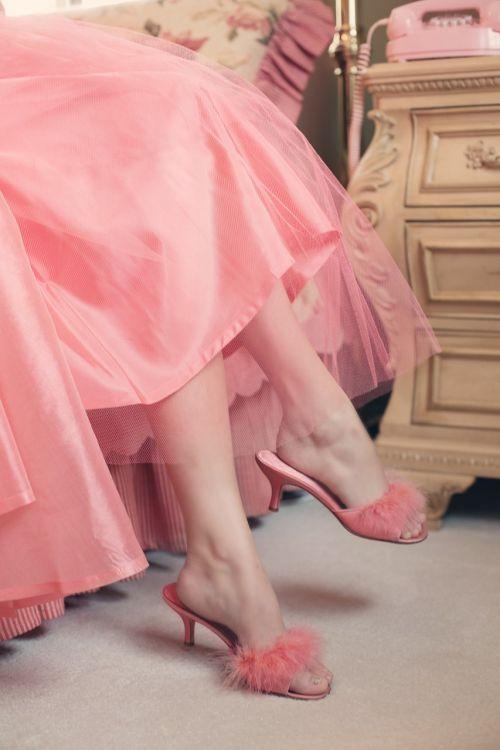vintage,šlepetės,elegancija,kojos,rožinis
