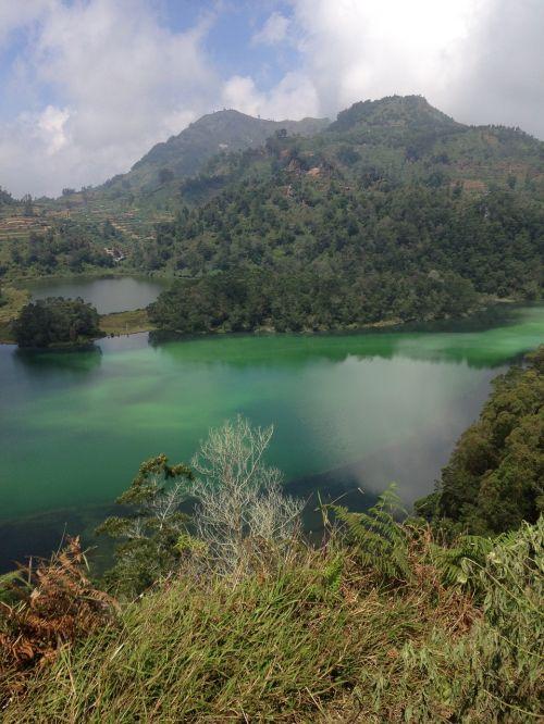 vulkaninis ežeras,java,Indonezija