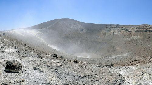 vulkanas,vulkaninis krateris,krateris,kraštovaizdis,nevaisinga,steinig,karštas