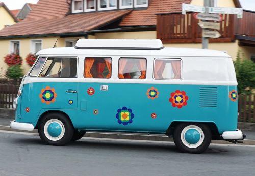vw,bulli,vw autobusas,vw bulli,Volkswagen,automatinis,transporto priemonė,kultas,autobusas,oldtimer,linksma,klasikinis,senas,kempingų autobusas,kemperis,istoriškai,volkswagen vw,vw t1,nostalgiškas,hipis,žinomas,gėlės,prilbumenas,retro,medžio drožyba,legendinis,mobilus,kultišas,laisvė,kelionė