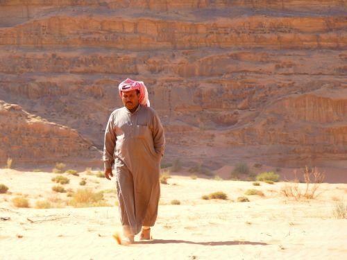 Wadi Rum, Negev, Negev Dykuma, Jordan, Šventė, Kelionė, Artimieji Rytai, Kraštovaizdis, Gamta, Dykuma, Smėlis, Safari, Beduinas, Žmogus, Asmuo, Turbanas
