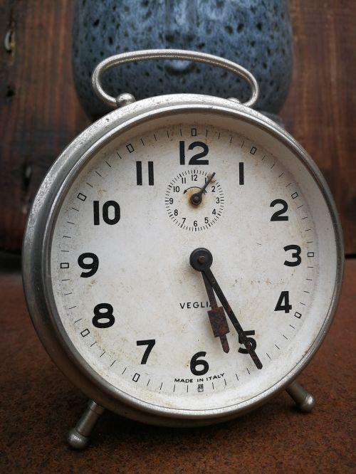 pabusti,valandos,laikas,minutės,lankstus