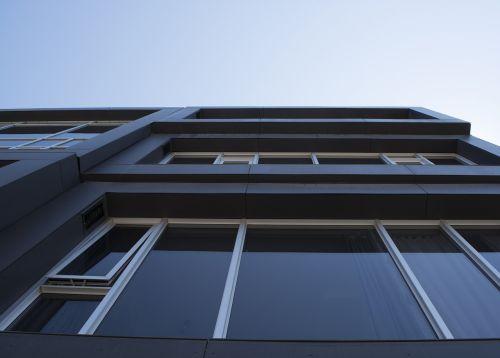 siena,stiklas,aukštyn,dangus,į dangų,šviesa,eksterjeras,architektūra,šiuolaikiška,pastatas,naujas,kondo,aukštas,aukštas,žemyn,aukštas,šiuolaikinis,stilius,prabanga,miestas,dizainas,namai,namas,butas,prabangus,langas,langai,nuosavybė,Kondominiumas,turtas,Nekilnojamasis turtas,įmonės