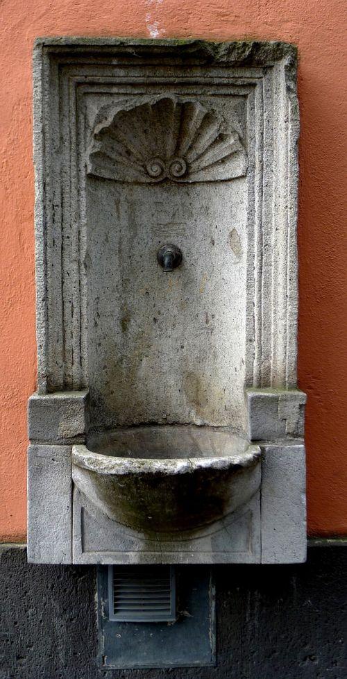 sieninis fontanas,akmens fontanas,Kelnas,skulptūra,fontanas