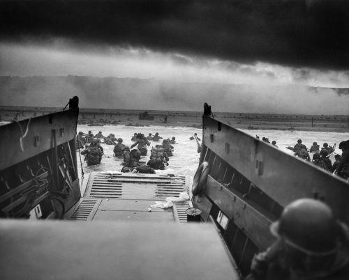 karas,numesti laivą,Normandija,Antrasis Pasaulinis Karas,sąjungininkas,wwii,france,į mirties žandebą,1944,kareiviai,kojų kareiviai,kariuomenė,ataka,kariai