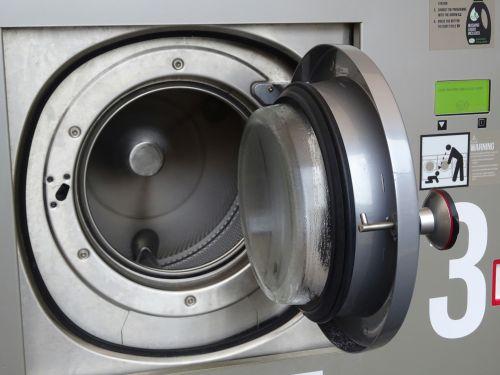 skalbyklė, skalbyklė, skalbyklos, skalbyklos, skalbimas, mašina, mašinos, džiovintuvas, džiovyklės, parduotuvė, parduotuvės, Parduotuvė, visuomenė, moneta, veikė, gatvė, gatves, kelias, keliai, kelyje, Skalbimo mašina