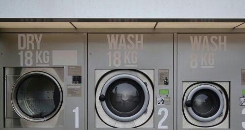 skalbyklė, skalbyklė, skalbyklos, skalbyklos, skalbimas, mašina, mašinos, džiovintuvas, džiovyklės, parduotuvė, parduotuvės, Parduotuvė, visuomenė, moneta, veikė, gatvė, gatves, kelias, keliai, kelyje, skalbimo mašinos ir džiovyklė