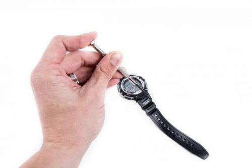 žiūrėti, remontininkas, remontas, gamintojas, pataisyti, laikrodis, senas, sunaikintas, valandą, vadovas, laikrodininkas, verslas, pirštas, laikrodžio mechanizmas, įrankiai, remontininkas, mechaninis, minutė, įgūdis, atsuktuvas, sriegimas, laikas, horologinis, varžtas, darbas, tikslus, sutrikimas, darbas, įtemptas, laikrodžio remontas