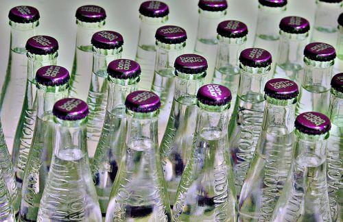 vanduo,mineralinis vanduo,buteliai,Stikliniai buteliai,bon aqua,gerti