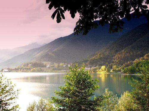 vanduo,ežeras,medis,gamta,italy,ledro,kraštovaizdis,tvenkinys,laivas,vandens sportas,banga,abendstimmung