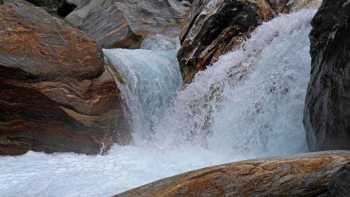 Vanduo, Krioklys, Laukiniai, Upė, Gamta, Verzasca