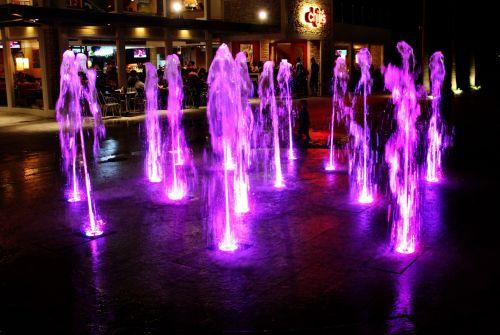 vanduo & nbsp, fontanas, violetinis & nbsp, vanduo & nbsp, fontanas, violetinė & nbsp, vanduo, srautas, vanduo & nbsp, judėjimas, skystas, naktis, šviesa, vandens fontanas