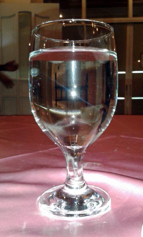 vanduo & nbsp, stiklas, vanduo, stiklas, aiškus & nbsp, vanduo, gerti & nbsp, vandens, rožinė & nbsp, audinys, vanduo stiklinėje