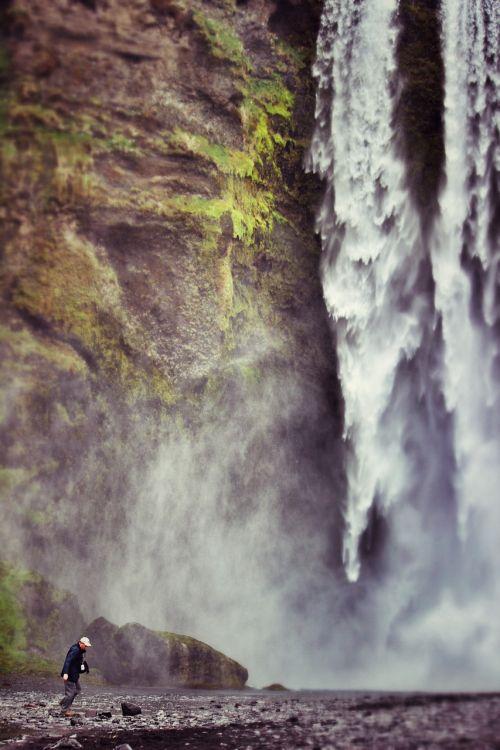 krioklys,asmuo,didingas,gullfoss,iceland,asmuo,kelionė,lauke,vasara,kalnas,Patinas,turizmas,kraštovaizdis,vanduo,gamta,Rokas,nuotykis