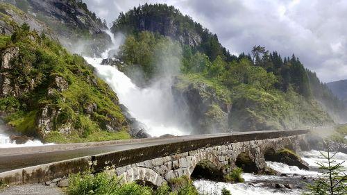 krioklys,Norvegija,Skandinavija,turizmas,orientyras,latefoss,vaizdingas,vaizdingas kelias