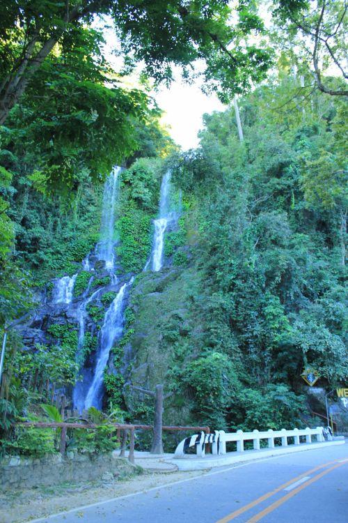 Tamara & nbsp, kriokliai, kriokliai, vanduo, kritimo, juda & nbsp, vanduo, vandens judesiai, gamta, lapai, medžiai, augalai, kelias, puerto & nbsp, galera, Filipinai, visayas, kelionė, turizmo & nbsp, vietoje, kriokliai