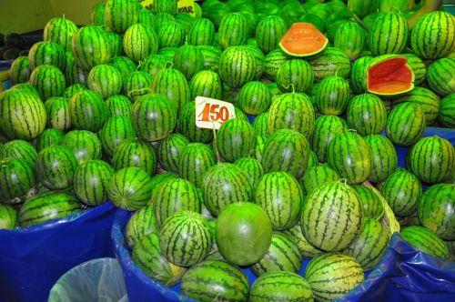 arbūzas,vaisiai,prekyvietė