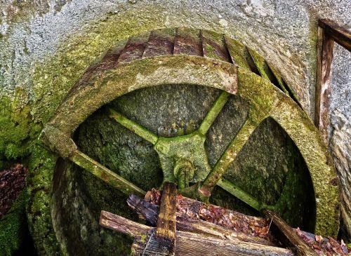 vandens ratas, senas, istoriškai, miškai, varomasis ratas, vandens siurblys, pastatas, palikti, skilimas, prarastos vietos, vandens tiekimas, pforphoto, be honoraro mokesčio