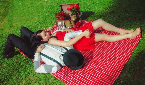 Vestuvės,grooms,apimantis vienas kitą,bučinys,emgombė,respublika,dominican kiss,Vedęs,ceremonija,draugiai,jaunavedžiai,romantika,pora,romantiškas,meilė,vestuvinė suknelė,įvykis,balta,nuotaka,santuoka,mėgėjai,mirtis,jūra,parkas,sunkvežimis,tuoktis,moterys,gėlės,Urugvajus,autoportretas,vyras,rasės,uždanga,laimingas,komplikacija,gražus,šypsena,neseniai susituokę,bažnyčia,bankas,miškas,laiminga pora,laimė,šlepetės,žmonės,Biskvitinis tortas,romantika,Bella,saulėtas,kraštovaizdis,dangus,soledad,šventė,pora į meilę,rožės,vasara