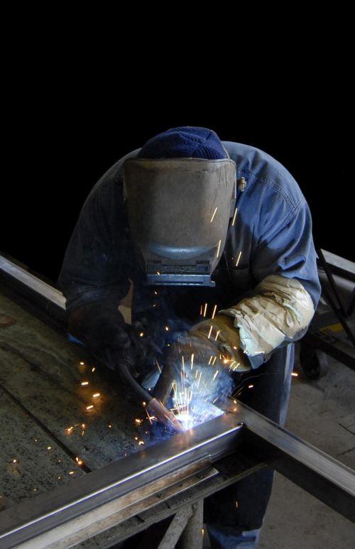 suvirintojas,darbuotojas,metalas,pramoninis,gamyba,gamykla,darbas,amatininkas,suvirinimas,inžinerija,gamyba,blykstė,gamyba,suvirinimas,plienas,statyba,metalo apdirbimas,gamyba