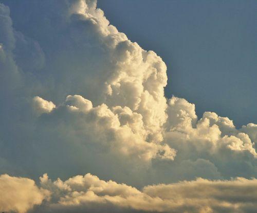 debesis, aukštas, didelių gabaritų, tankus, balta, cumulus, baltasis kaupūnas debesis