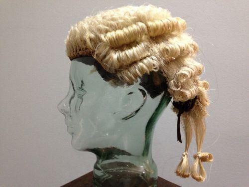 perukas,advokatas,legalus,galvos gabalas,teisingumas