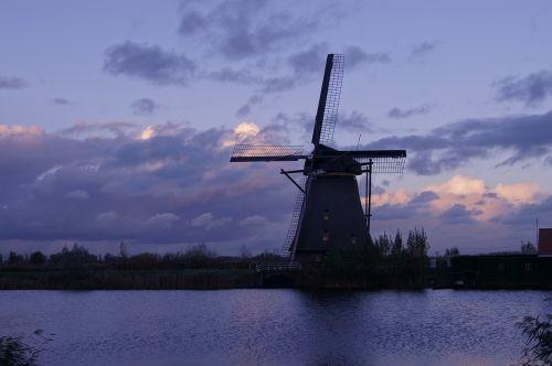 vėjo malūnas,malūnas,dangus,sparnas,pastatas,vėjas,windräder,vėjo energija,olandų vėjo malūnas,miltų malūnas,Nyderlandai,architektūra,mediena,holland,senas,Žemdirbystė,debesys,istoriškai,senoji malūnas,šlifuoti,pasukti,ruduo