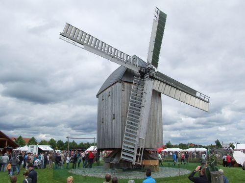 vėjo malūnas,malūnas,pastatas,pinwheel,sparnas,miltų malūnas,vėjas,ruduo,žmogus