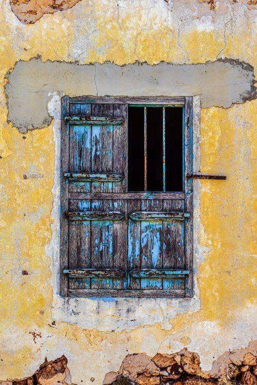 langas,medinis,senas,amžius,ištemptas,rusvas,siena,pažeista,krekas,skilimas,architektūra,kaimas,sotira,Kipras