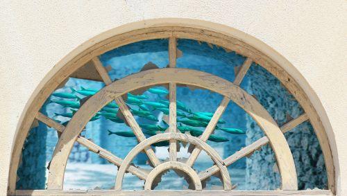 langas,apvali arka,senas,fasadas,arka,rhaeto romanic,mediena,sodinukai,akvariumas,žuvis,vanduo,fantazija,skydas,arkos,arka