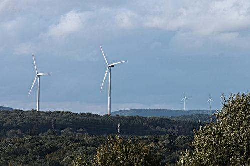 windräder,vėjo energija,vėjo energija,energija,dangus,aplinka,vėjas,mėlynas,debesys,aplinkosaugos technologijos,atsinaujinanti energija,Vėjo turbina,susitvarkyti,elektros energijos gamyba,energijos revoliucija,dabartinis,kraštovaizdis,gamta,maitinimas,alternatyva,verspargelung